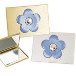 detalles de boda original set de maquillaje floral con espejos para boda