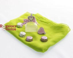 chocolates para bodas cajita con pinza corazón