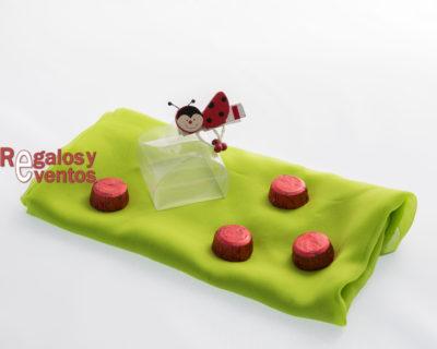 chocolates para bodas – cajita con pinza mariquita